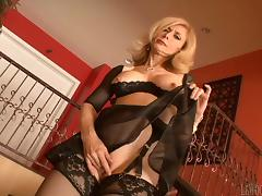 Lovely MILF In Bra And Stockings Gets Slammed Doggystyle