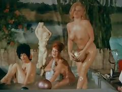 Jackie De Witt,Claudia Banks,Unknown,Althea Currier in Kiss Me Quick! (1964) porn tube video