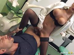 candy treats a horny pacient