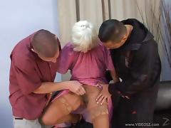 Mature amateur lady Orhidea blows and gets cumshot after drilled Hardcore