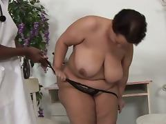 Fat brunette slut opens pussy for huge black boner porn tube video