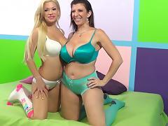 Blonde cutie Bibi Noel and mature brunette Sara Jay share a cock tube porn video
