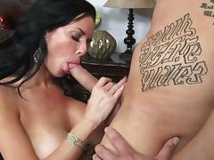 Facial to end mature's filthy porn scene