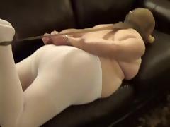 stupid slut showing her pantyhose