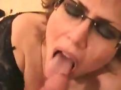 Oma kriegt Samen in den Mund tube porn video