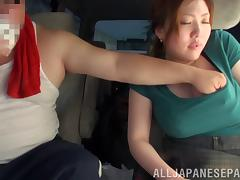 Cougar with big tits yelling while her hairy pussy is banged hardcore in the car