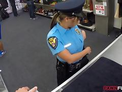Security Officer pawns her stuff and fucked with pawnkeeper tube porn video