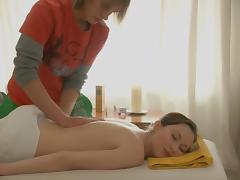 Masseur fucks a chick after a hot massage