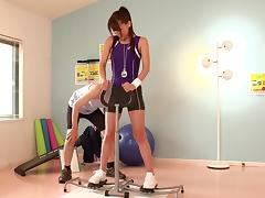 Sporty Japanese slut Ria Horisaki gives hand to a guy in a gym porn tube video