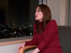 Lustful Japanese milf Rin Ninomiya masturbates in the bathroom