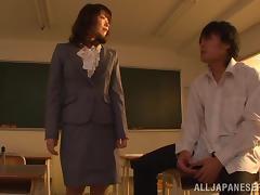 Seductive Japanese milf chick Nao Mizuki loves her cunt nailed