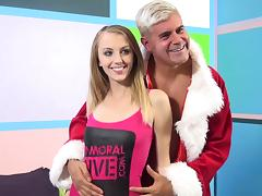 Lovely porn sweetheart Jenna Marie gets banged with a hot cumshot