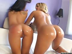 Asa Akira and Mackenzee Pierce take turns getting it doggystyle