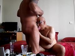 Two old amateur gays fucking on the sofa