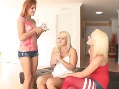 3 hot girls 587