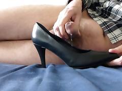 Cum in wifes black stiletto heel