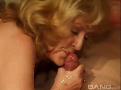 Mature sluts gives head and gets fucked in gangbang
