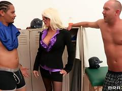 Blonde cougar with glasses enjoying an awesome gangbang