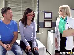 A doctor drills his sexy patient in the ass to cure her