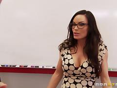 Naughty cougar could not even leave the class to get a cock