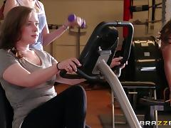 This gym instructor has a new way of working out, check is out