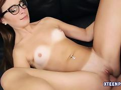 Kaylee Haze pussy filled with warm jizz after hardcore sex