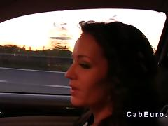 Taxi driver fucks sexy brunette babe in his car tube porn video