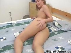 Slim amateur poses in her thong on a motel room bed