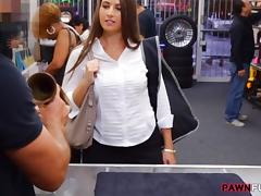 Big butt amateur babe banged by pawn man at the pawnshop