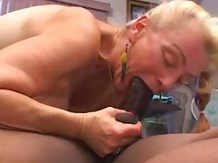 Granny gets creampied by young BBC tube porn video