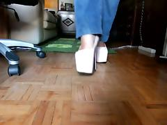 Walking with my suoer high heels!