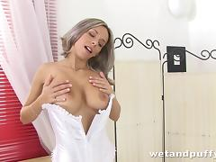 Curvy babe with big boobs playing with her pussy and asshole