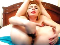 Flexible russian milf cums and squirts on cam tube porn video