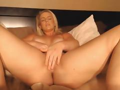 Blonde with awesome thighs rubbing her pussy tube porn video