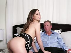 Riley Reid looks her sexiest as she swallows dick and rides it