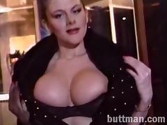 Sexy solo porn hottie displays seductive body in a hot erotic action