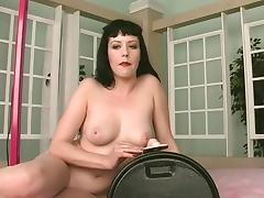 Sexy whore shows off her perfect tits in the shower