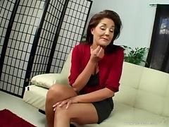 Hot and horny milf Bobbi Lennox in a naughty dick ride