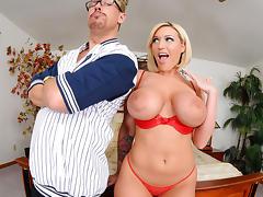 Blonde Bombshell Memphis Monroe tube porn video