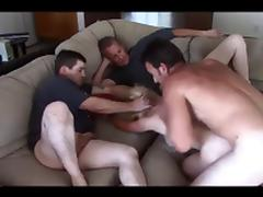 2 LAZY GUYS & A COUCH FUCK!!!!
