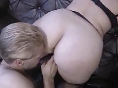 Two chubby milfs pleasing a guy