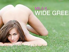MILA K. - Wide Green