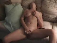 sarah masturbatig with facial