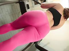 She oils up her big ass during a workout and toys her pussy