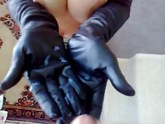 Cum all over her leather gloves porn tube video