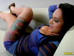 Lusty Brazillian bombshell gets her pussy pleased well