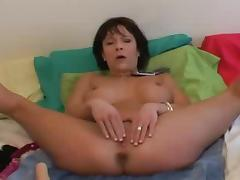 milf squirts bit time using double dong on phone to hubby
