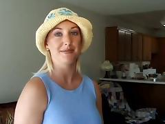 Horny blond bitch enjoys toy fucking her twat in reality story