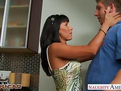 Nasty cougar Lezley Zen gets facialized tube porn video