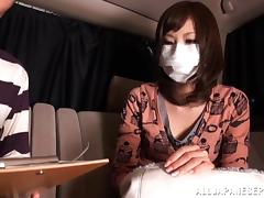 Fooling around in the back seat with a Japanese cutie porn tube video